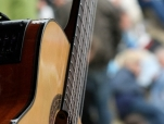 asere-guitar-close-up